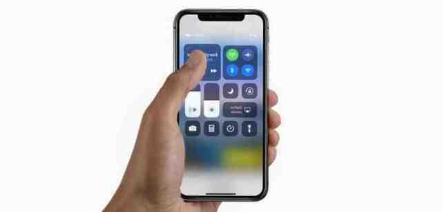 Comment reinitialiser un iPhone XR avec les boutons ?