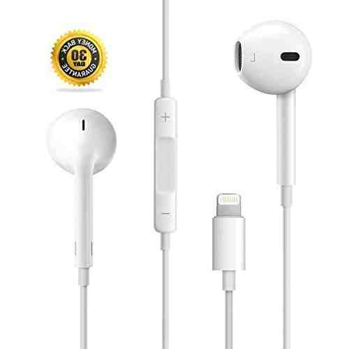 Does the iPhone 8 plus have a headphone jack?