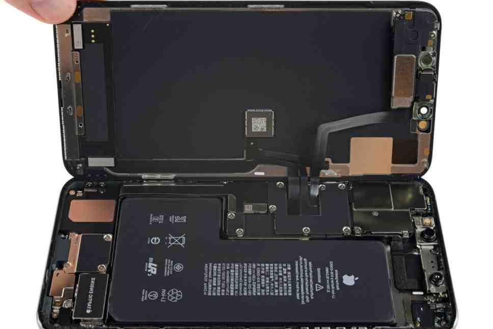 Pourquoi la batterie de mon iPhone se vide rapidement ?