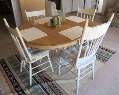 kitchen-table-4-chairs