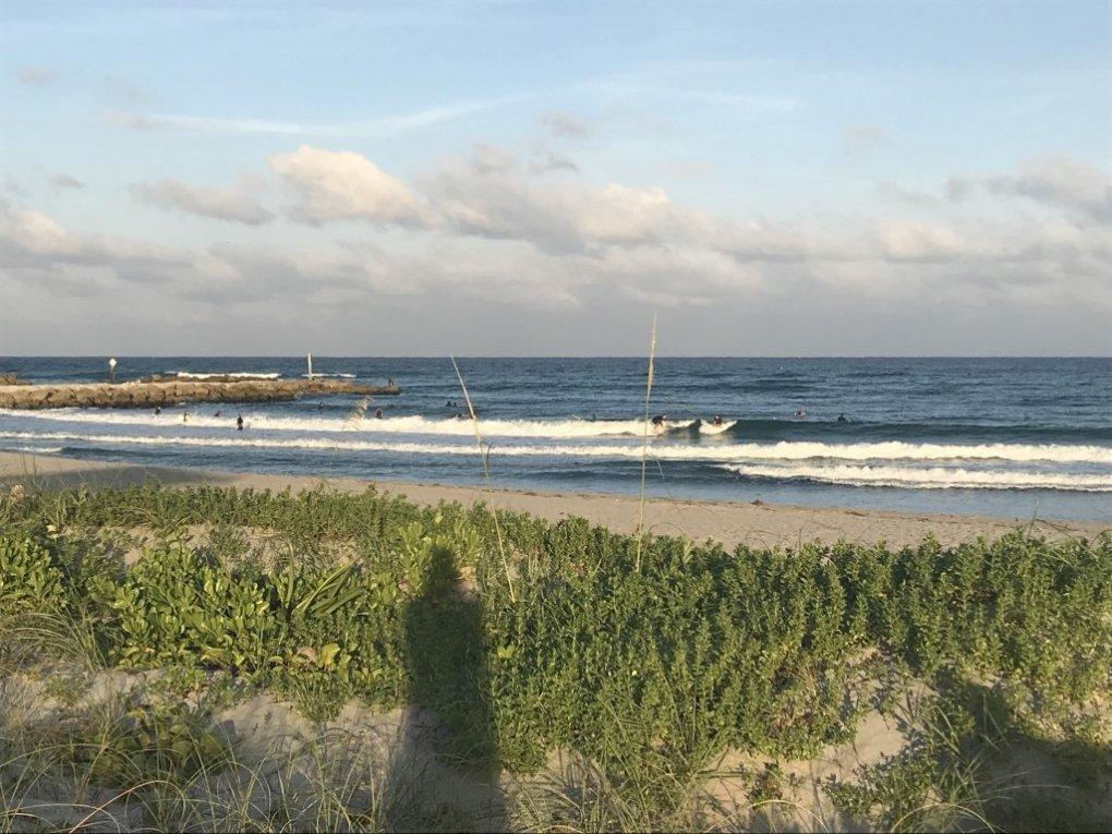 Mini waves to surf in Boca Raton, FL