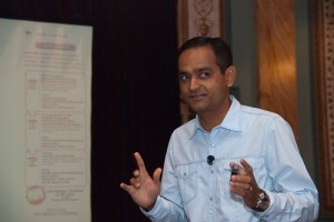 Avinash Kaushik at SIM Tech 2010 - Photo by Michael Fienen