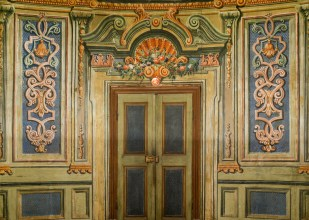 Markgräfliches Opernhaus, painted access door of loggia