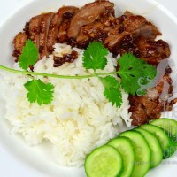 Fried Pork with Garlic and Pepper Thai Style : Moo Todd Kratiem Phrik Thai