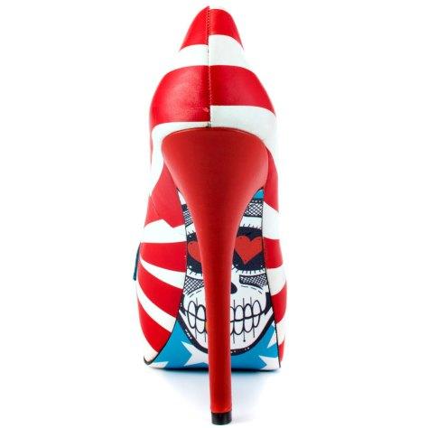 Taylor Says high heels