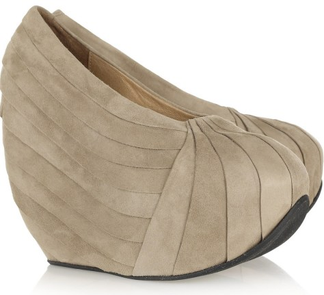 curved wedge heel
