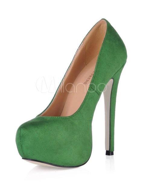 green platform pumps