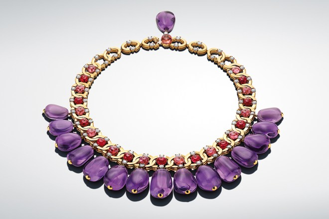 Viola: The 16 amethysts (504.54 ct) of the Viola necklace create a spectacular piece, unique in the shape of its patiently collected gems. These opulent gems were not re-cut, but merely polished.