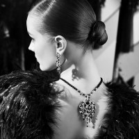 Chanel's Café Society - ၁၉၂၀ ပြည့်လွန်နှစ်များလှုပ်ခတ်မှုနှင့် Art Deco ပြန်လည်ထူထောင်ရေးပွဲတော်