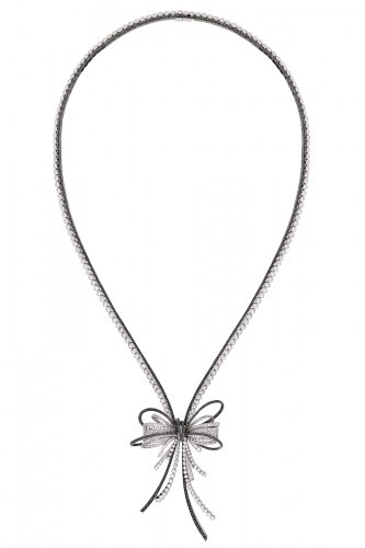Necklace in 18k white gold, black diamonds and white diamonds.