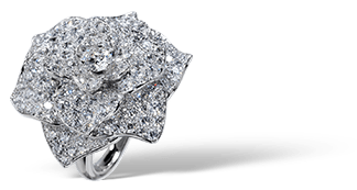 Piaget Rose ring in 18K white gold, set with 112 brilliant-cut diamonds (approx. 2.38 ct).