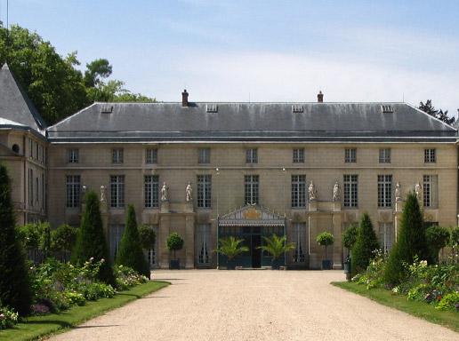 The Château de Malmaison © musée national du château de Malmaison.
