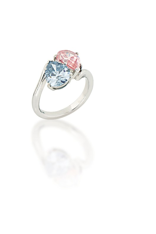 Sale 1574_Lot 440_Fancy Pink and Blue Diamond Ring