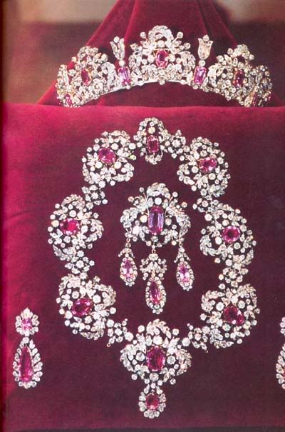 The Savoy pink topaz parure: tiara, necklace, earrings, & brooch (Italy).