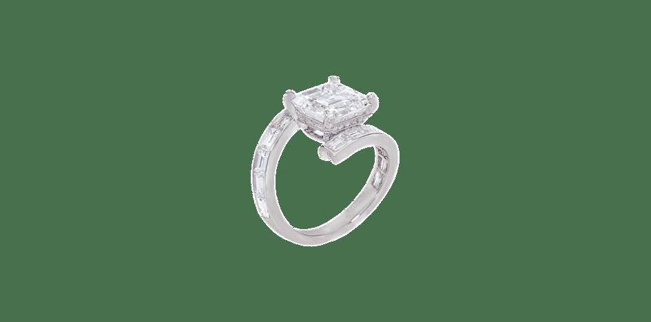 Chaumet Dentelle de Givre ring in platinum, baguette- and brilliant-cut diamonds, set with a princess-cut diamond, large model.