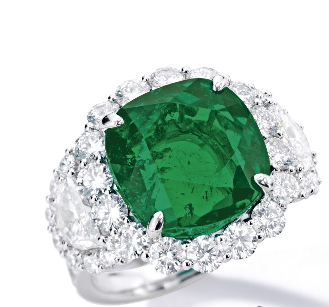 10.02-ct Colombian Emerald and Diamond Ring_RGB