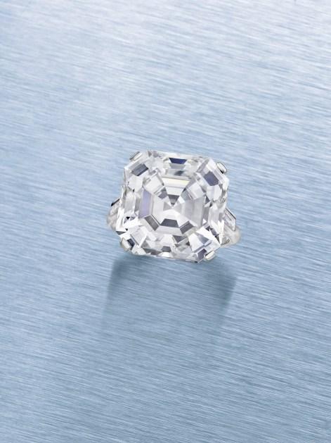 A CUT-CORNERED STEP-CUT DIAMOND OF 15.54, BY CARTIER ESTIMATE: $330,000 – $450,000