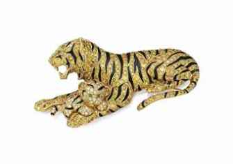 A COLORED DIAMOND, DIAMOND, EMERALD AND ENAMEL TIGER AND CUB BROOCH, BY VAN CLEEF & ARPELS ESTIMATE: $100,000 – $150,000