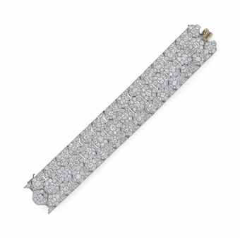AN ART DECO DIAMOND BRACELET, BY CARTIER ESTIMATE: $380,000 – $450,000