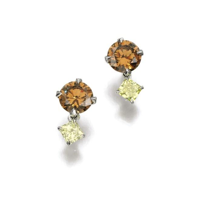 Pair of Fancy Coloured Diamond Earrings (Lot 111, est. £28,000–38,000/ €39,300–53,500/ US$ 41,900–57,000)
