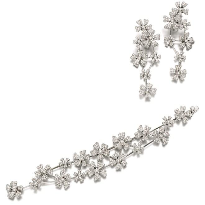 Diamond Parure Bracelet and Ear Clips by De Beers, (Lot 121, earrings shown right, est. £8,000–12,000/ €11,300–19,900/ US$ 12,000–18,000)