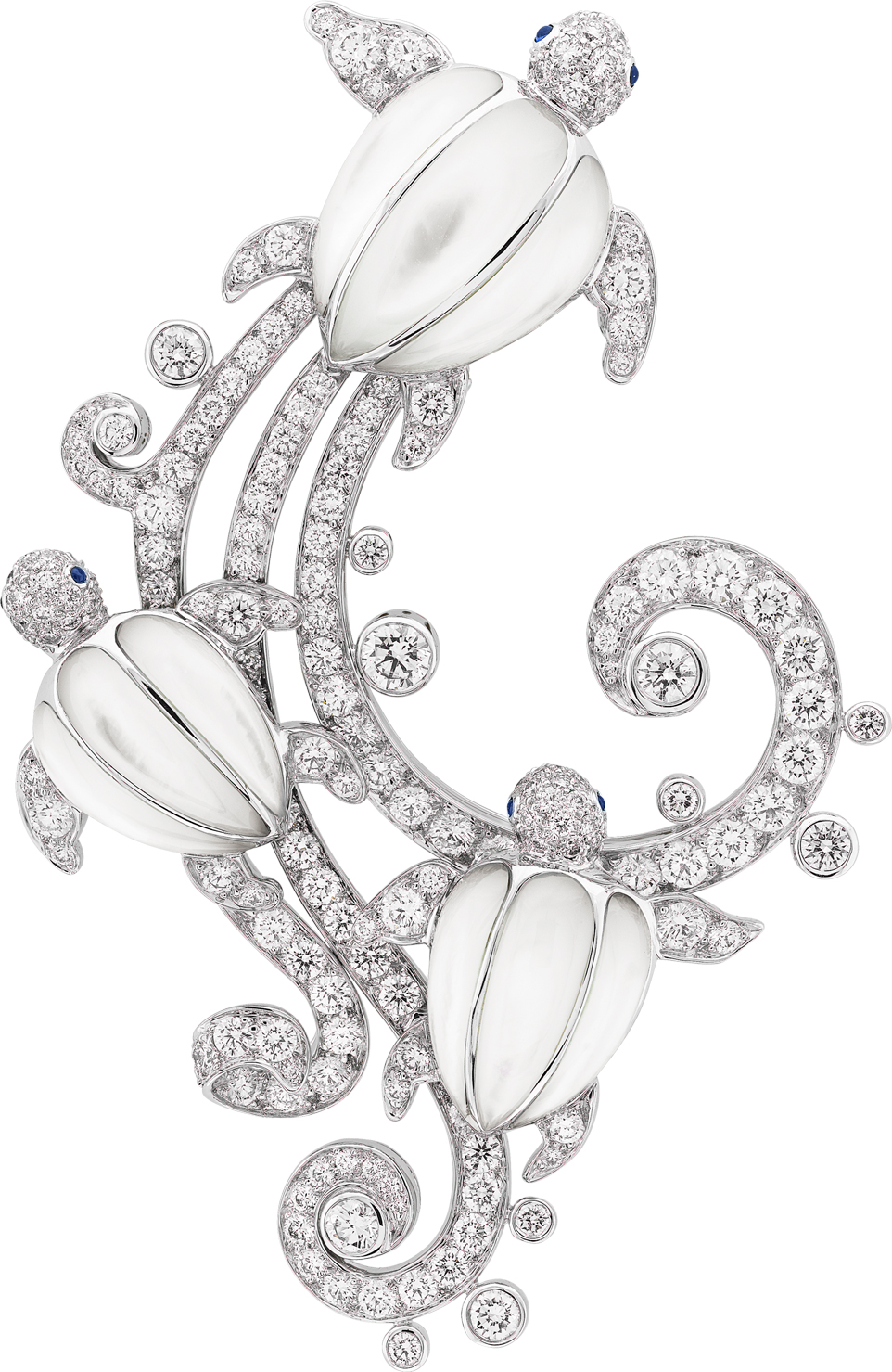 Trois Tortues Clip. White gold, diamonds, cabochon-cut sapphires, white mother-of-pearl.