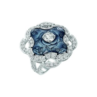 """""""Fascinante"""" ring in 18K white gold set with 69 brilliant-cut diamonds for a total weight of 2.2 carats and enamel. CHANEL Joaillerie"""