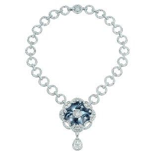 """Fascinante"" necklace in 18K white gold set with a 2-carat pear-cut diamond, 2 brilliant-cut diamonds for a total weight of 1.3 carat, 713 brilliant-cut diamonds for a total weight of 19.5 carats and enamel. CHANEL Joaillerie"