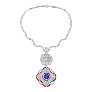 """Hypnotique"""" necklace in 18K white and yellow gold set with a 10.5-carat brilliant-cut blue violet tanzanite, a 1-carat brilliant- cut diamond, 468 brilliantcut diamonds for a total weight of 19.1 carats and multicolored lacquer. CHANEL Joaillerie"""