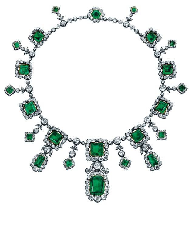 Elena di Francia, Duchess of Aosta's fabulous emerald and diamond fringe necklace (estimate: US$1,479,907-2,449,501)