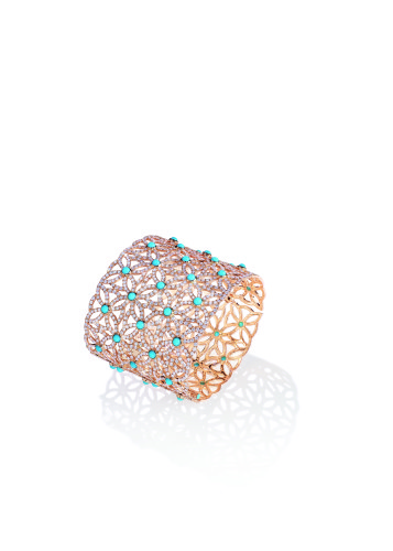"Extremely Piaget ""Décor Dentelle"" Cuff. 18k pink gold with 50 cabochon-cut turquoise (circa 16,50 carats) 1602 brilliant-cut diamonds (circa 20,87 carats)"