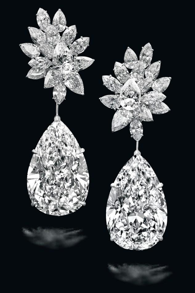 Boehmer et Bassenge diamond earrings