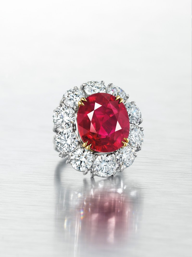Exceptional Burmese Ruby and Diamond Ring (2)
