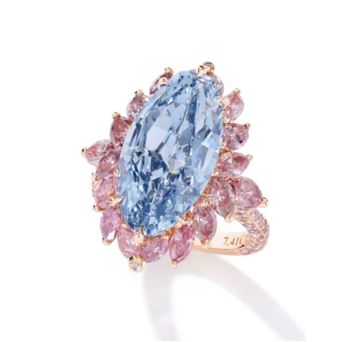Moussaieff exceptional fancy vivid blue diamond ring