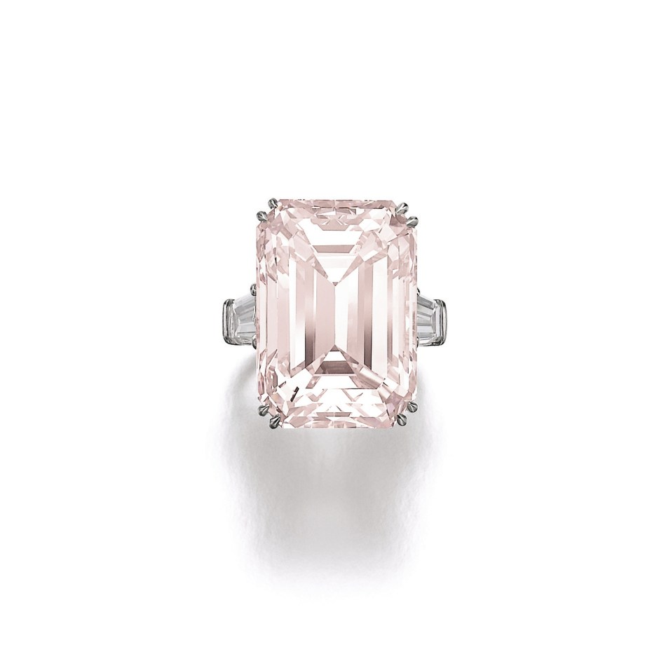 Lot 356 - Superb fancy light pink diamond ring, Harry Winston, circa 197...