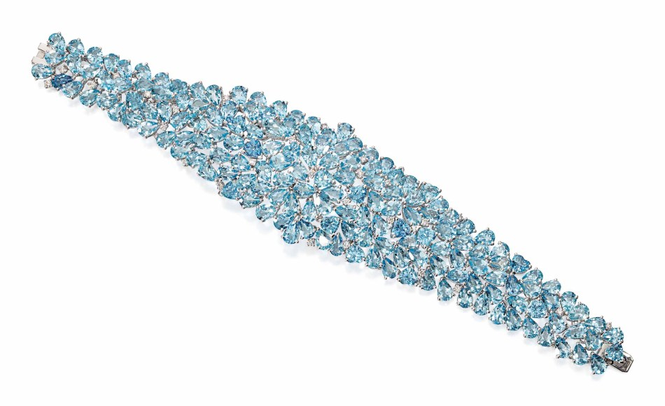 Lot 134 (aquamarine_and_diamond_bracelet)