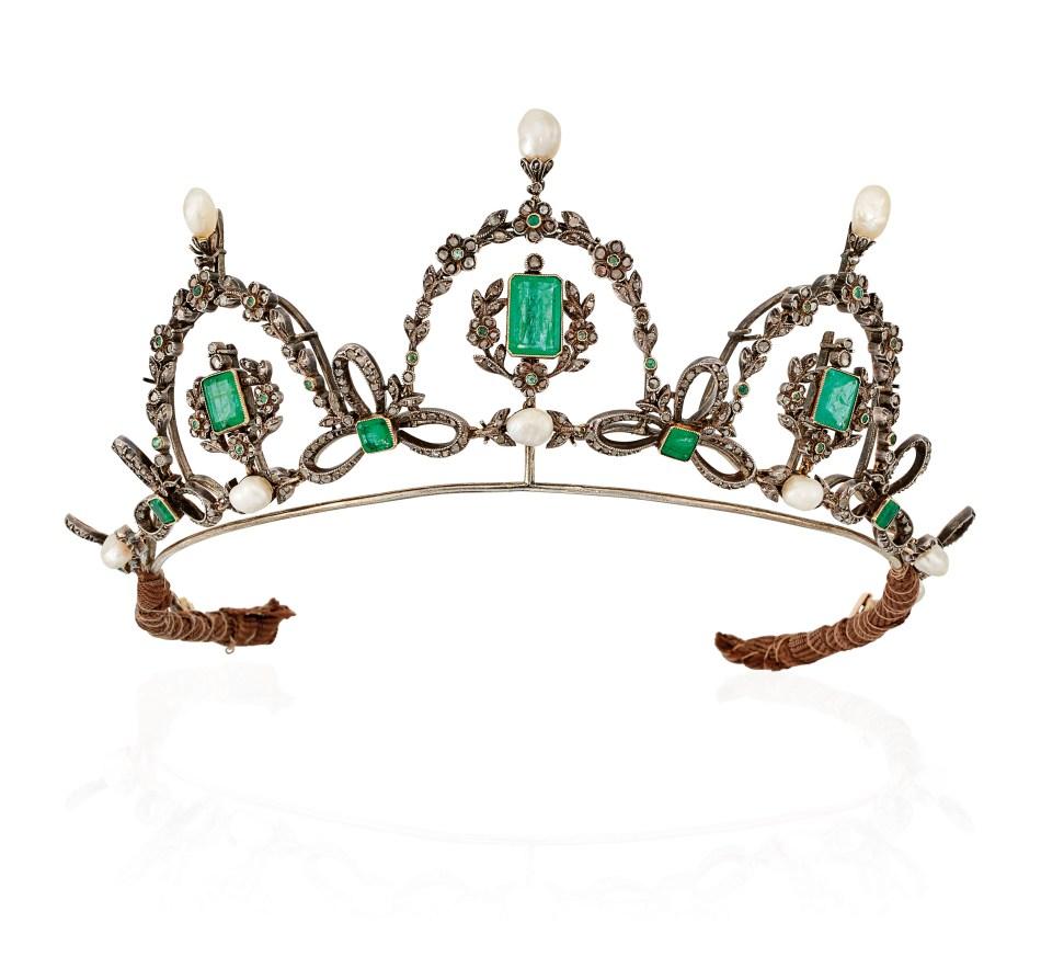 Lot 62_Late_19th_century_emerald_and_diamond_tiara_necklace