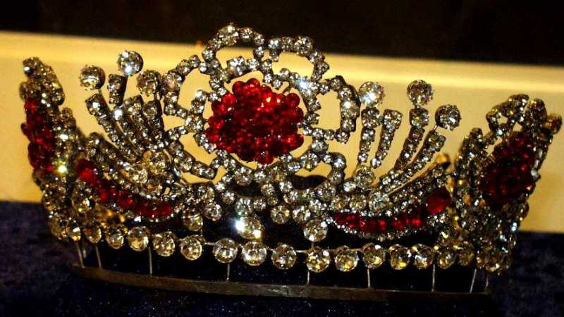Dronning Elizabeth II burmesisk Ruby Tiara