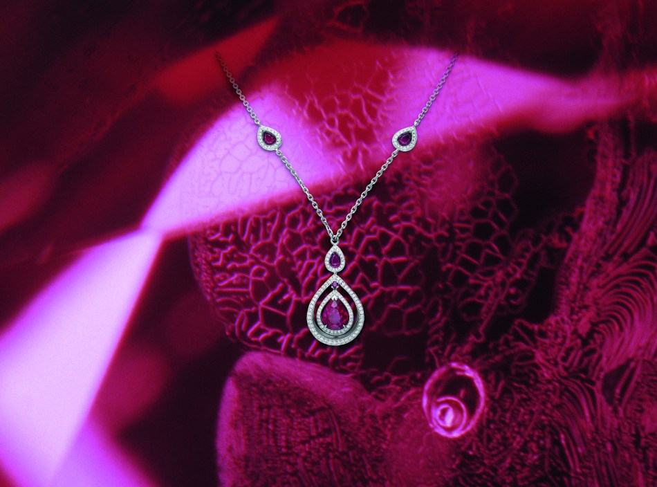 Gubelin_Jewellery_Glowing Ember_Ruby Photomicrograph_Ruby Necklace