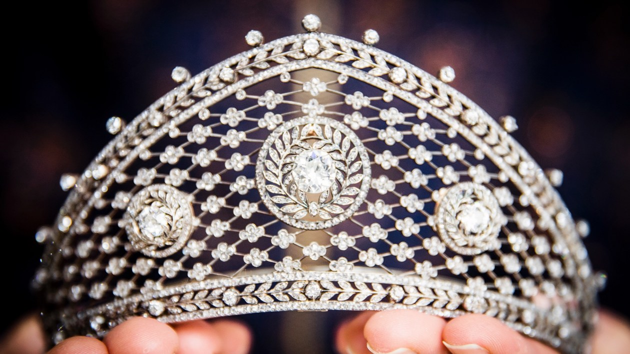 Diamond tiara, attributed to Fabergé, circa 1903