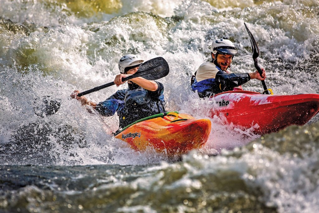 Lower Gauley: Diagonal Ledges Kayak Surfing