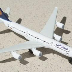Airplane-Lufthansa
