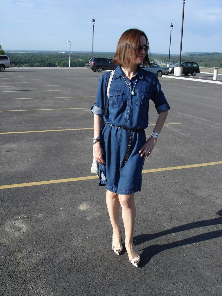 #over40 Mature woman in denim dress High Latitude Style http://www.highlatitudestyle.com