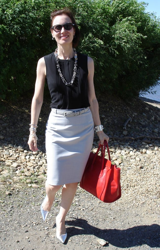 fashion blogger over 50 in summer neutral color outfit