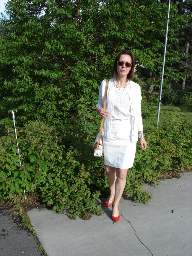 all white work outfit
