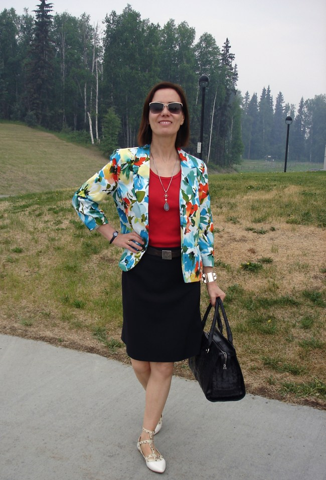 #over40 floral blazer | High Latitude Style | http://www.highlatitudestyle.com