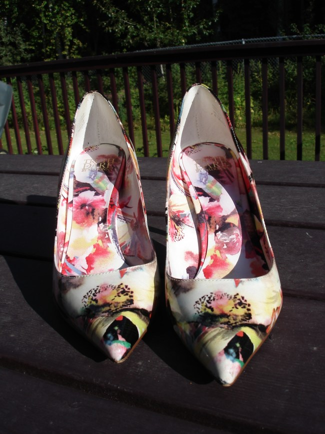 over 40 fashion blog Floral pumps