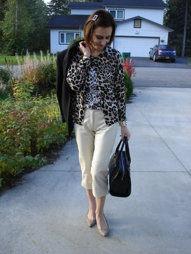 Fall work look with capri and mixed prints