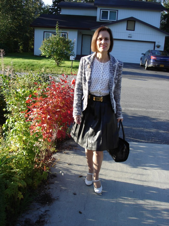 fashionover40 Woman looking trendy in a work outfit