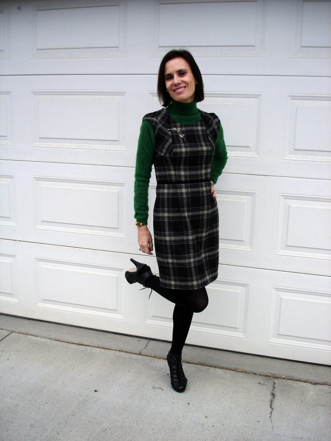 style blogger in plaid sheath with leaf color sweater